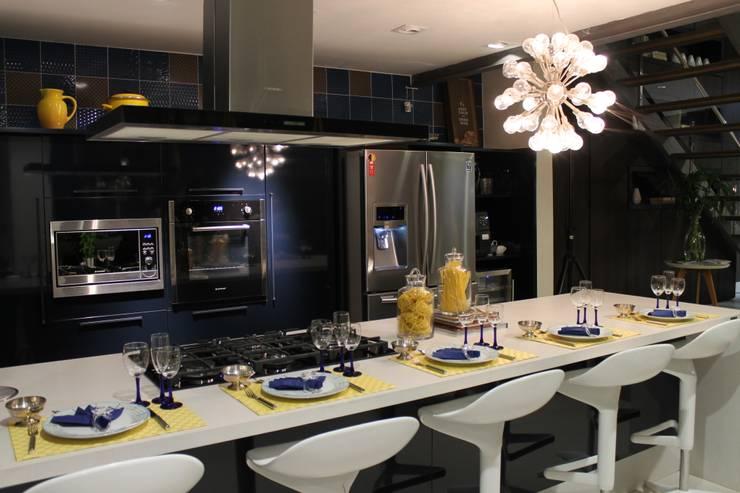 Restaurantes de estilo  por Lúcia Vale Interiores, Moderno Tablero DM