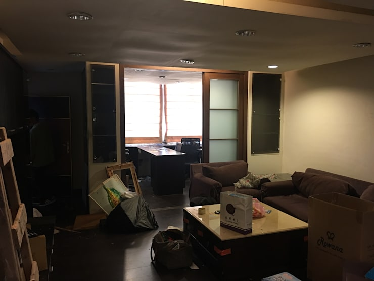minimalistic Study/office by E&C創意設計有限公司