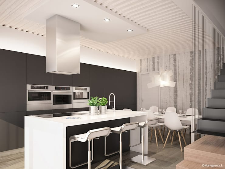 Ville bifamiliari in legno - cucina: Cucina in stile  di Marlegno