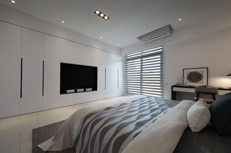 最簡單的黑白,卻藏著最精彩的語彙:  臥室 by 楊允幀空間設計