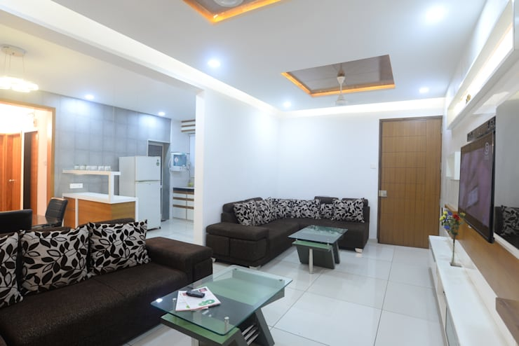 Interiors:  Living room by MSA INDIA