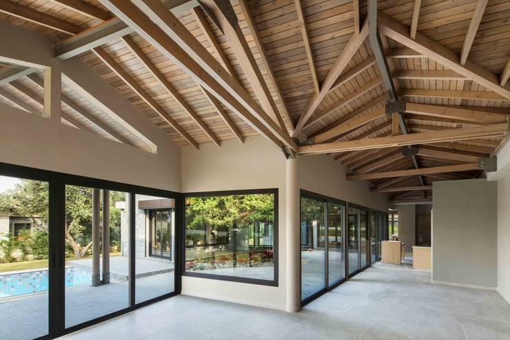 de Egeli Proje Moderno Derivados de madera Transparente