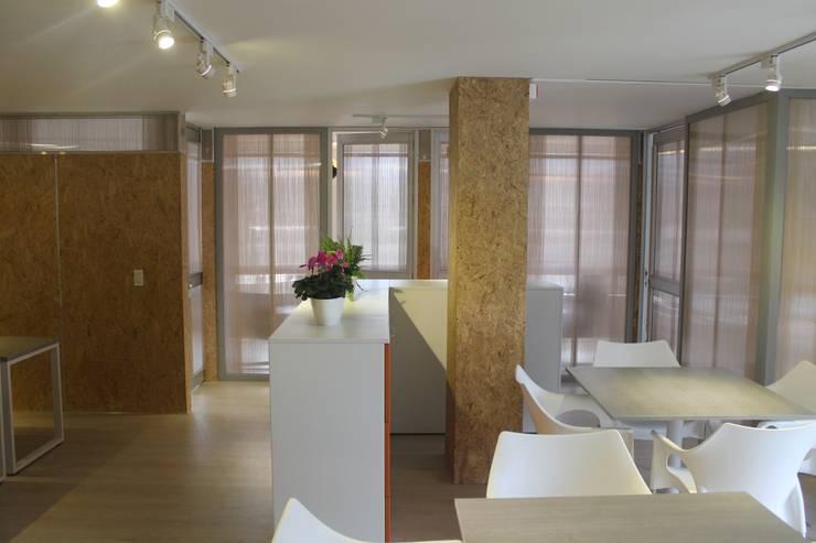 MÓDULOS DE TRABAJO: Oficinas y Tiendas de estilo  por IngeniARQ