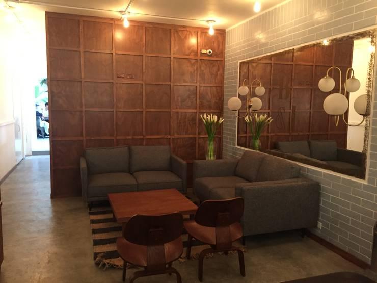 Sala Restaurante : Salas de estilo  por Bustos + Quintero arquitectos, Ecléctico