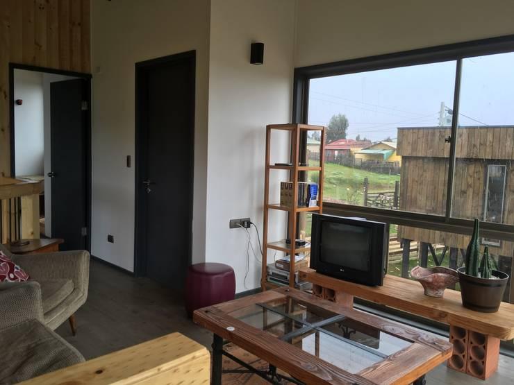 Гостиная в . Автор – EstradaMassera Arquitectura