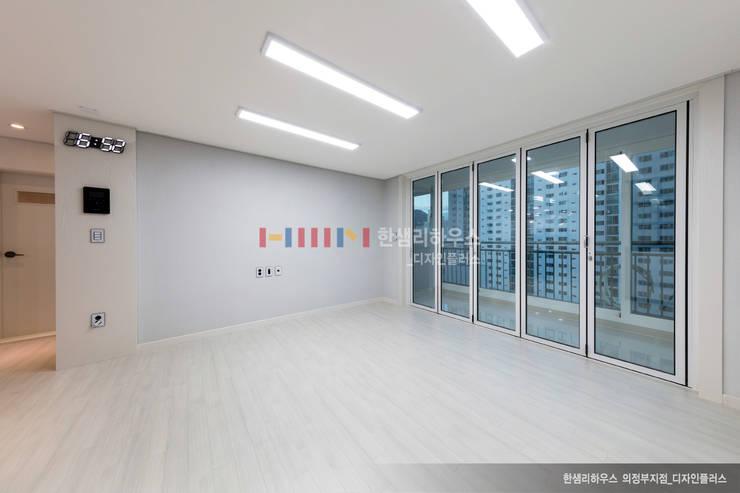 의정부 호원동 신원아파트 인테리어 : 디자인플러스의  거실,