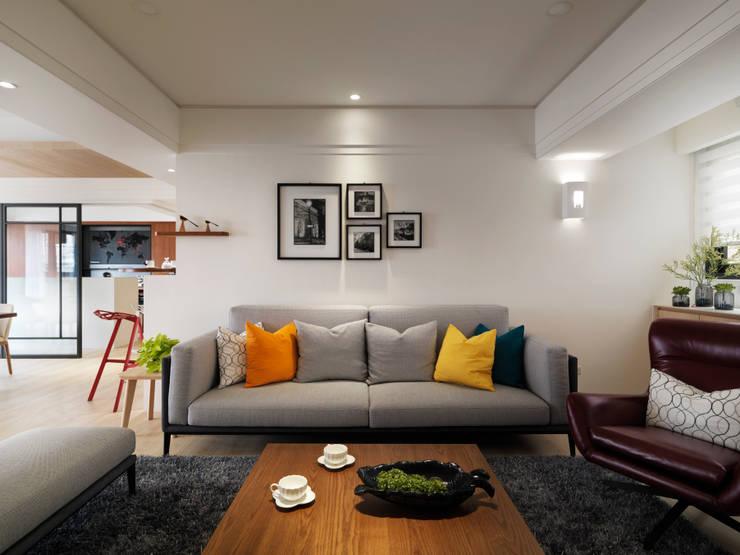 金山南路新婚宅:  客廳 by 星葉室內裝修有限公司