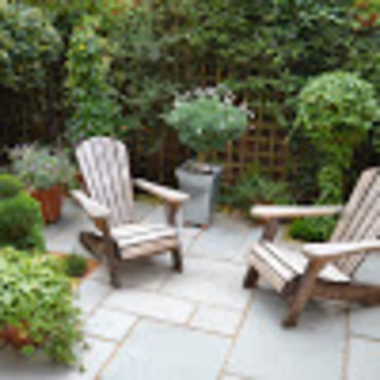Courtyard garden:  Front yard by 1 to one garden design, Eclectic
