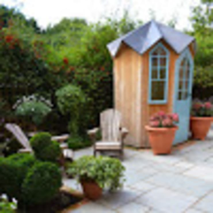 Tiny Courtyard: eclectic  by 1 to one garden design, Eclectic