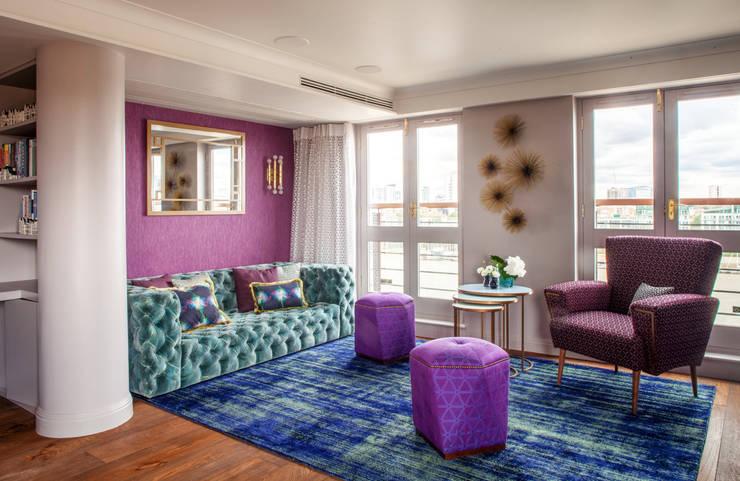غرفة المعيشة تنفيذ Cassidy Hughes Interior Design