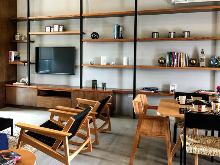 Jardín Secreto: Salas de estilo moderno por Alameda Estudio