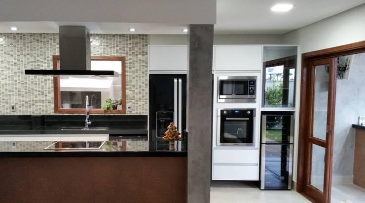 by StudioCS Arquitetura Modern Granite