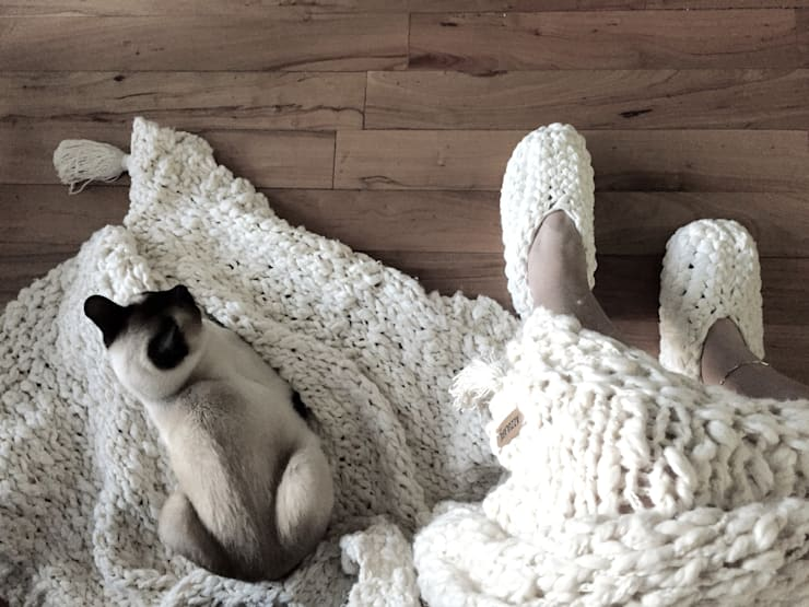 ALGODON AGROECOLOGICO • mantas & almohadones : Hogar de estilo  por AZZULARQ.com,