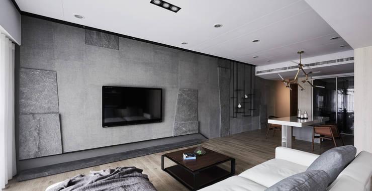 Wohnzimmer von 思維空間設計