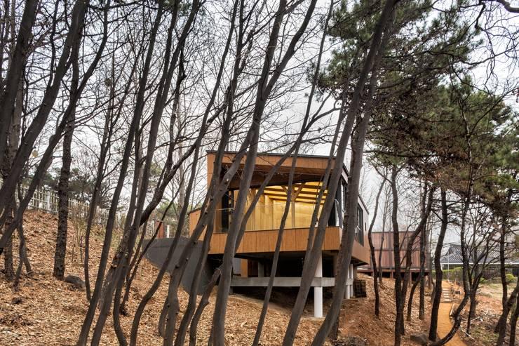 우장산근린공원 힐링숲체험센타: ADMOBE Architect의