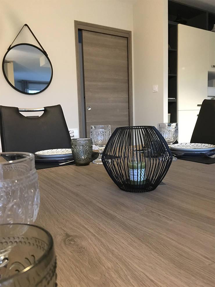 salle à manger: Salle à manger de style  par KREA Koncept