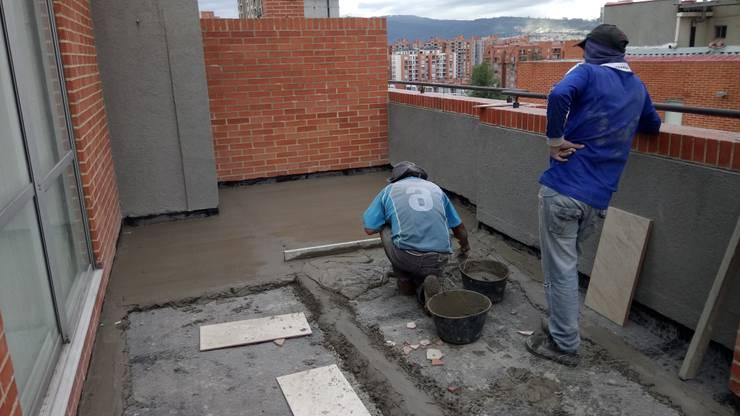 mortero de nivelacion Balcones y terrazas de estilo moderno de CELIS & CELIS INGENIEROS CONSTRUCTORES S.A.S Moderno