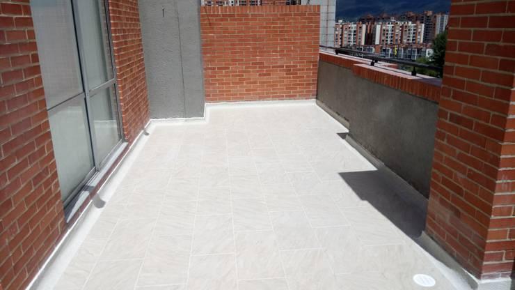 producto terminado: Terrazas de estilo  por CELIS & CELIS INGENIEROS CONSTRUCTORES S.A.S