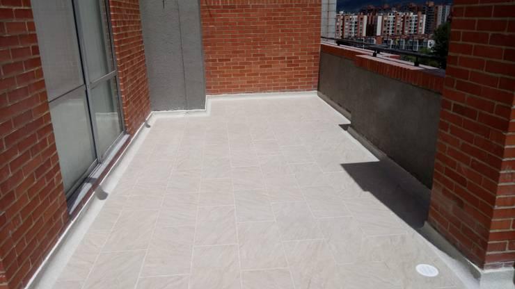 producto terminado Balcones y terrazas de estilo moderno de CELIS & CELIS INGENIEROS CONSTRUCTORES S.A.S Moderno