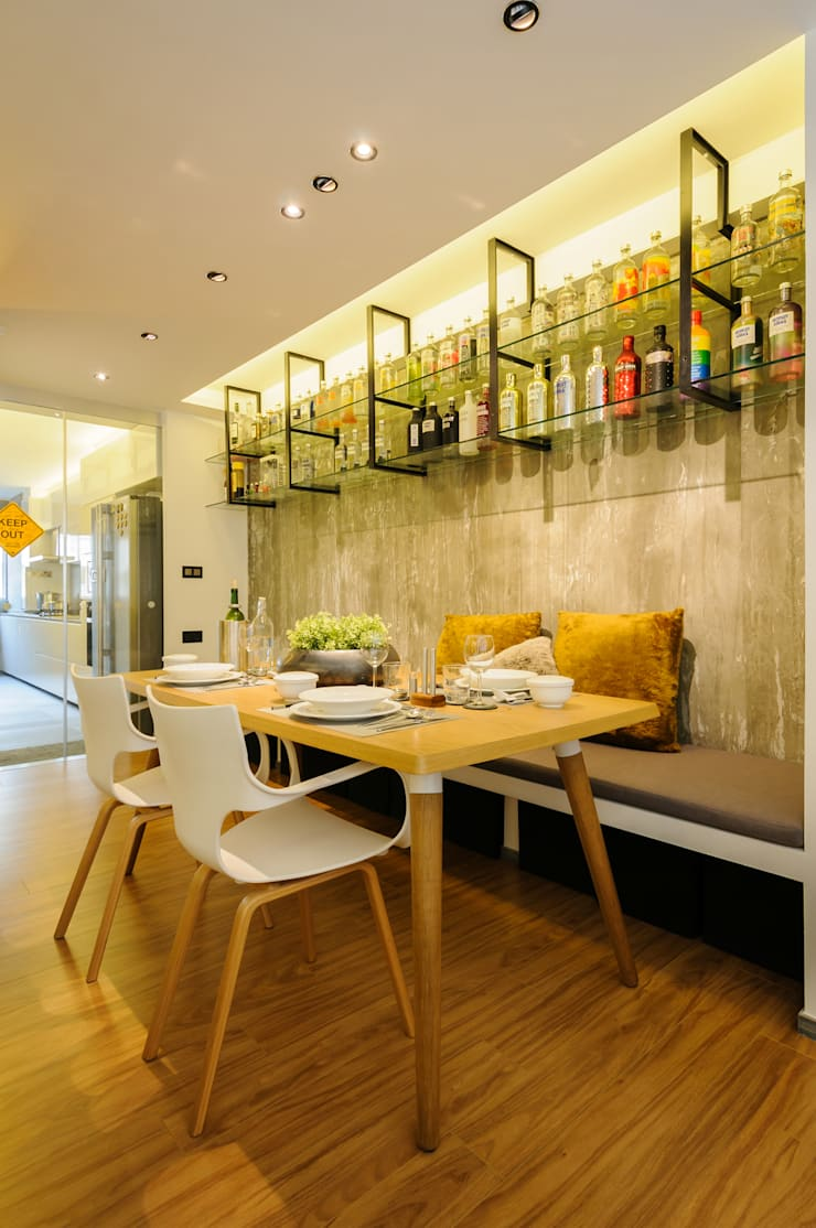 Design & Build Project: Resale HDB Apt @ Serangoon Ave 3: scandinavian Dining room by erstudio Pte Ltd