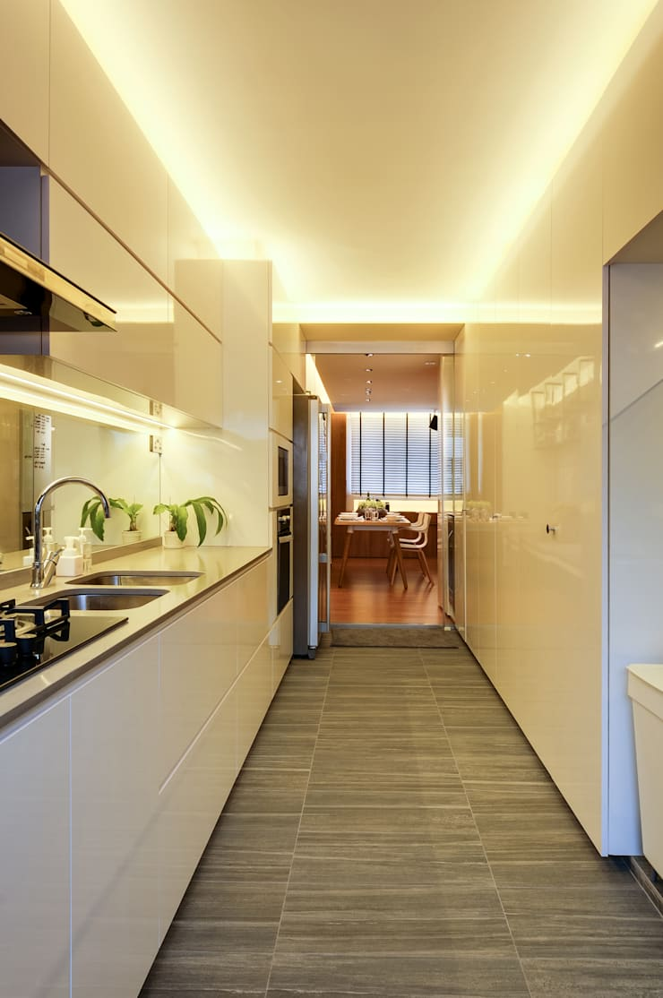 Design & Build Project: Resale HDB Apt @ Serangoon Ave 3:  Kitchen by erstudio Pte Ltd