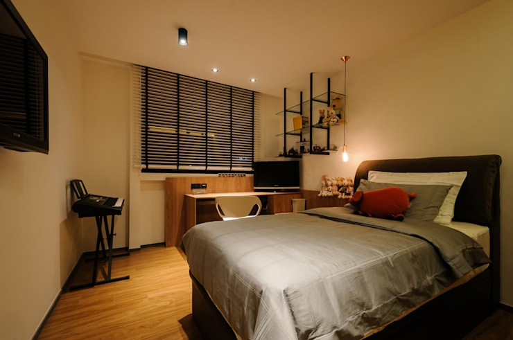 Design & Build Project: Resale HDB Apt @ Serangoon Ave 3: scandinavian Bedroom by erstudio Pte Ltd