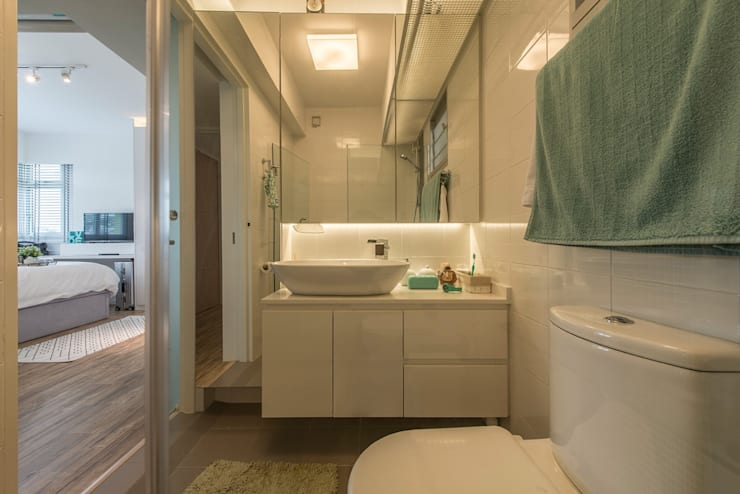 Design & Build: New HDB @ Sumang Link (Eclectic):  Bathroom by erstudio Pte Ltd