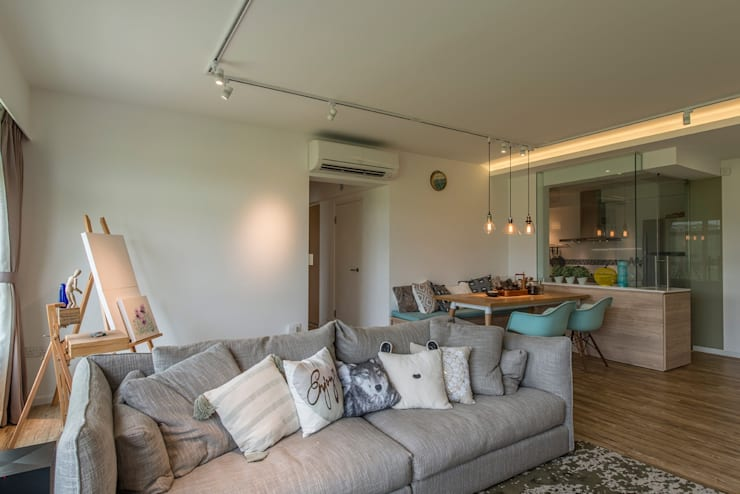 Design & Build: New HDB @ Sumang Link (Eclectic): eclectic Living room by erstudio Pte Ltd