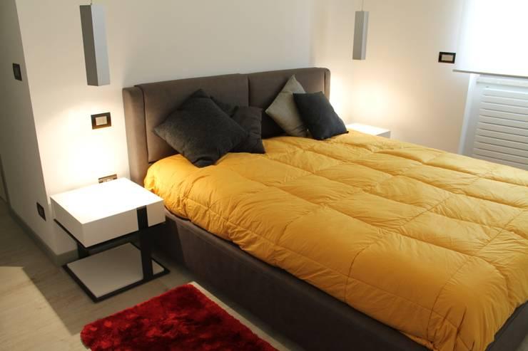 غرفة نوم تنفيذ SILVIA ZACCARO ARCHITETTO