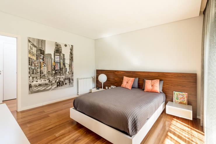 غرفة نوم تنفيذ João Boullosa