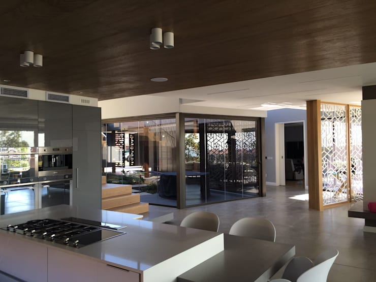 Izinga Park, Umhlanga :  Kitchen by Urban Create Design Interiors