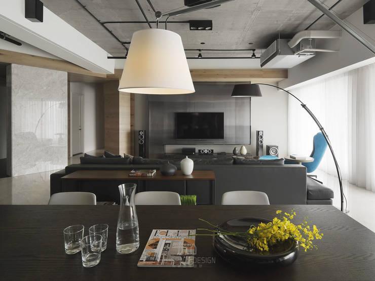 國泰森林觀道L宅:  客廳 by Ho.space design 和薪室內裝修設計有限公司