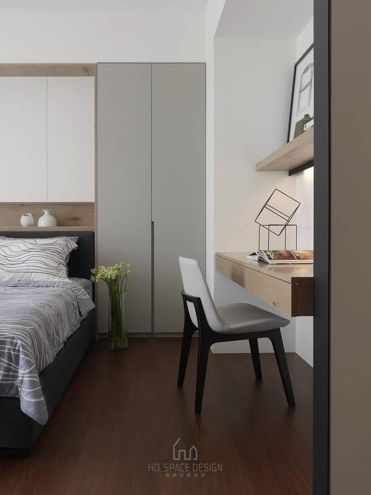 國泰森林觀道L宅:  臥室 by Ho.space design 和薪室內裝修設計有限公司