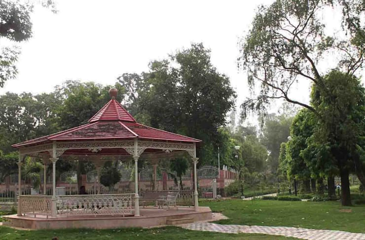 Cast Iron Octagonal Gazebo :  Garden  by Karara Mujassme India