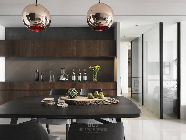 景川匯L宅:  餐廳 by Ho.space design 和薪室內裝修設計有限公司