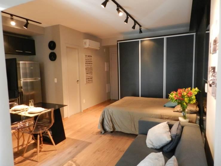 Minimalistische Schlafzimmer von ESC arquitetos associados Minimalistisch