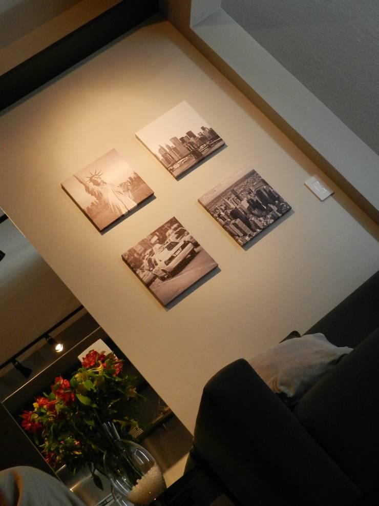 Minimalistische Wohnzimmer von ESC arquitetos associados Minimalistisch