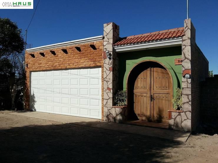 Fachada Principal: Casas de estilo rústico por OmaHaus Arquitectos