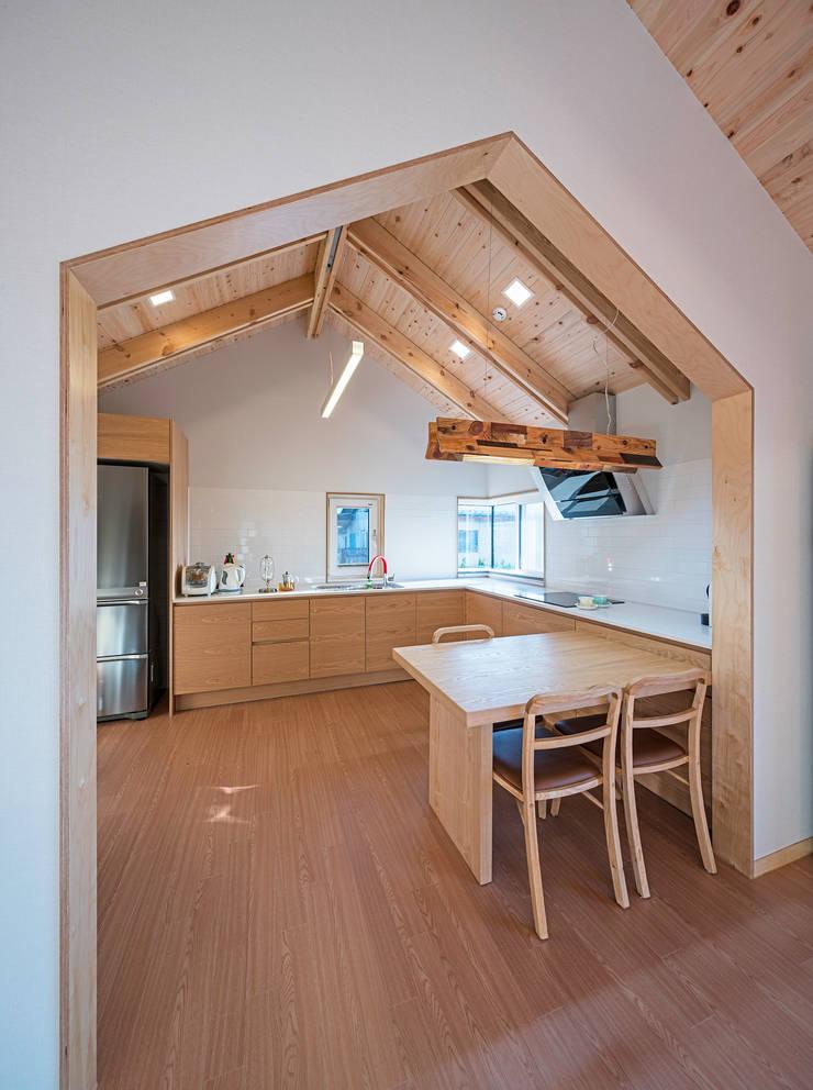 수류헌 隨遛軒: 건축사사무소 이인집단의  주방