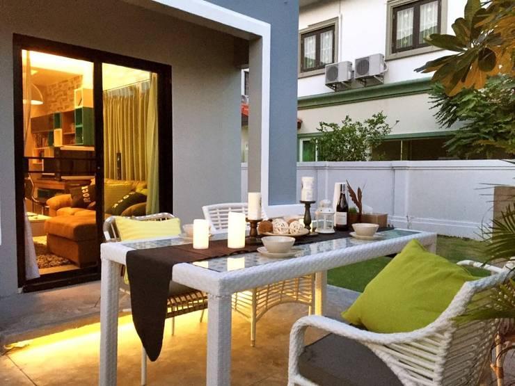 Project :Home Renovate:Chic Balcony  - Pruksa Ville 3:   by บริษัท ไอ แอม อินทีเรีย อาคิเทค มาสเตอร์ จำกัด (สำนักงานใหญ่)
