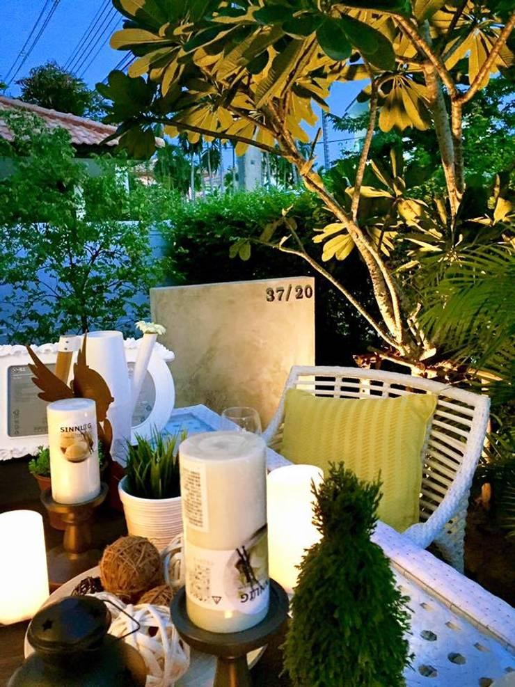Project :Home Renovate:Chic Balcony  – Pruksa Ville 3:   by บริษัท ไอ แอม อินทีเรีย อาคิเทค มาสเตอร์ จำกัด (สำนักงานใหญ่)