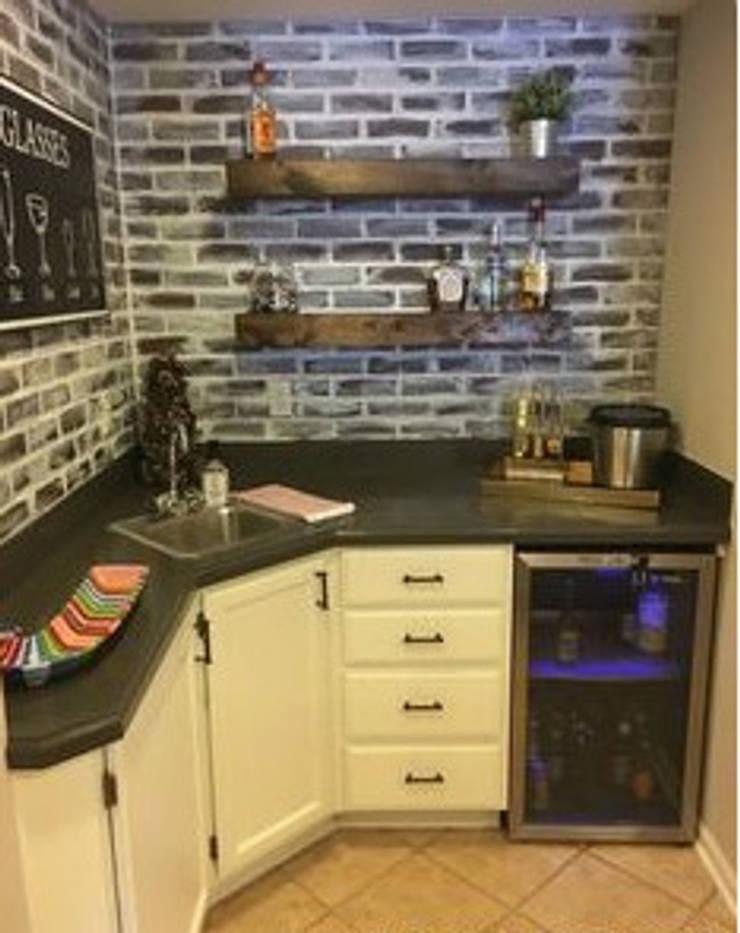 Corner Kitchen:  Kitchen by Nozipho Construction, Modern