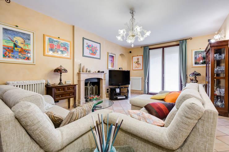 Ruang Keluarga by Luca Tranquilli - Fotografo