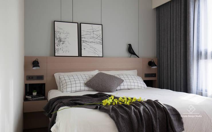 臥室:  臥室 by 極簡室內設計 Simple Design Studio