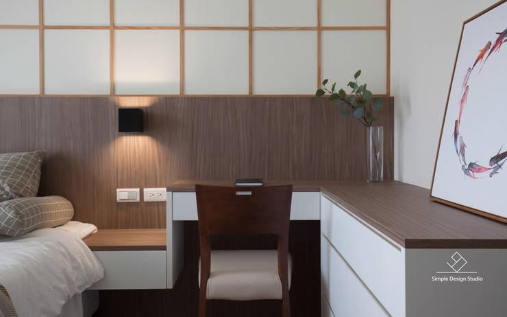化妝台:  臥室 by 極簡室內設計 Simple Design Studio