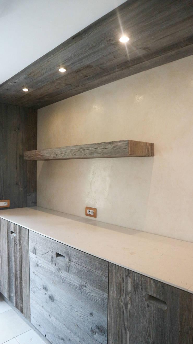 Built-in kitchens by RI-NOVO ,