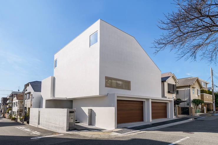 Houses by FANFARE CO., LTD