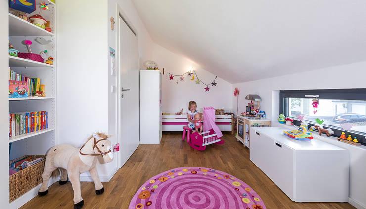 Спальни для девочек в . Автор – KitzlingerHaus GmbH & Co. KG