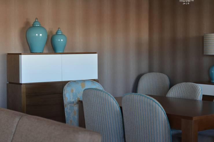 Sala : Salas de jantar  por STOOL INTERIORS