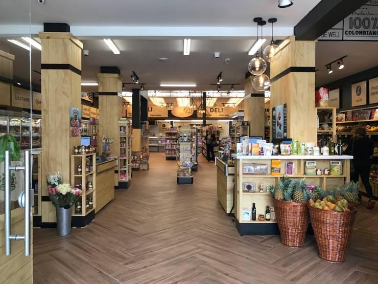 Acceso principal: Locales gastronómicos de estilo  por Ecologik
